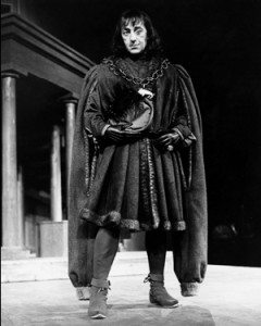 Alec Guinness as Richard III in Stratford's first season, 1953